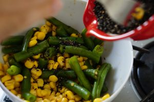 Green Beans and Corn with Sesame - Step3
