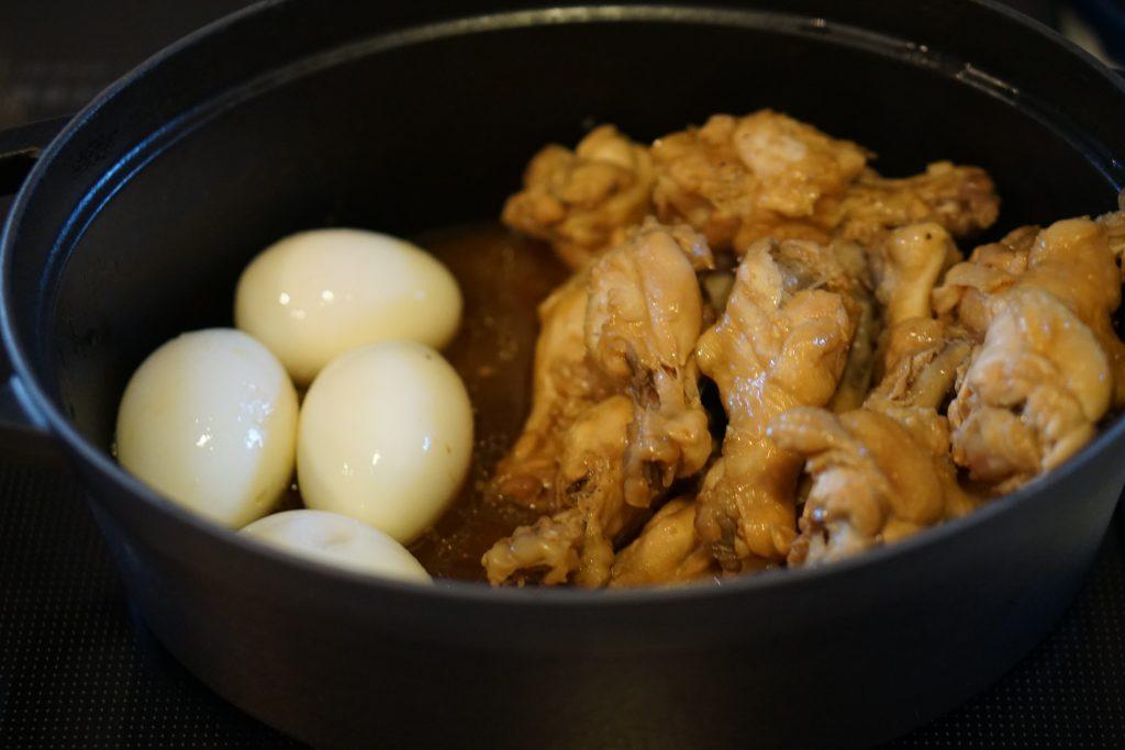 Soy-Vinegar Braised Drumsticks and Eggs - Step3