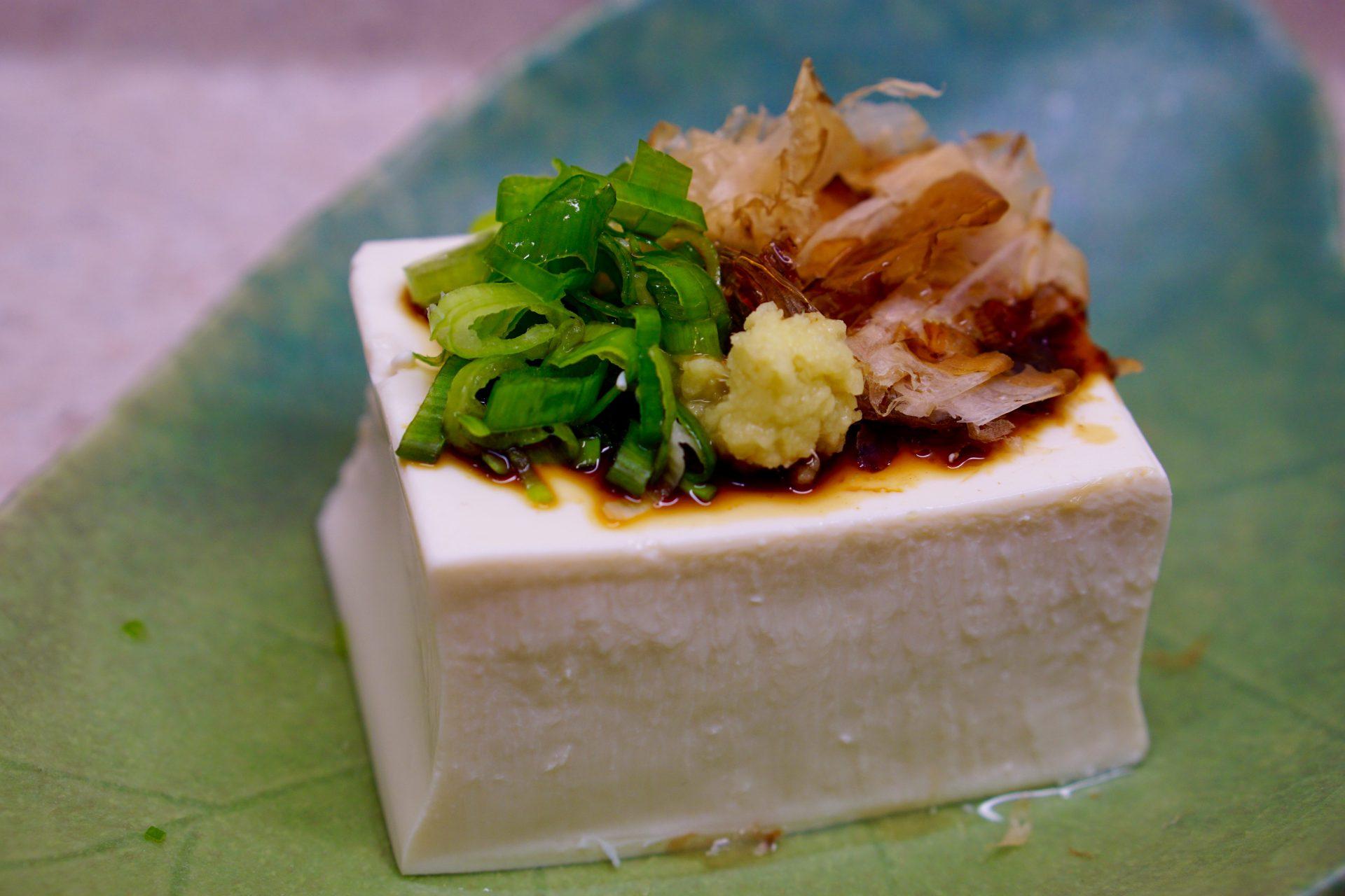 Hiyayakko (chilled tofu)