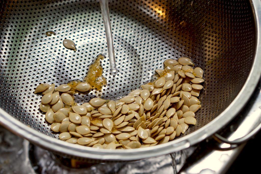 Crispy Kabocha Seeds - Step1